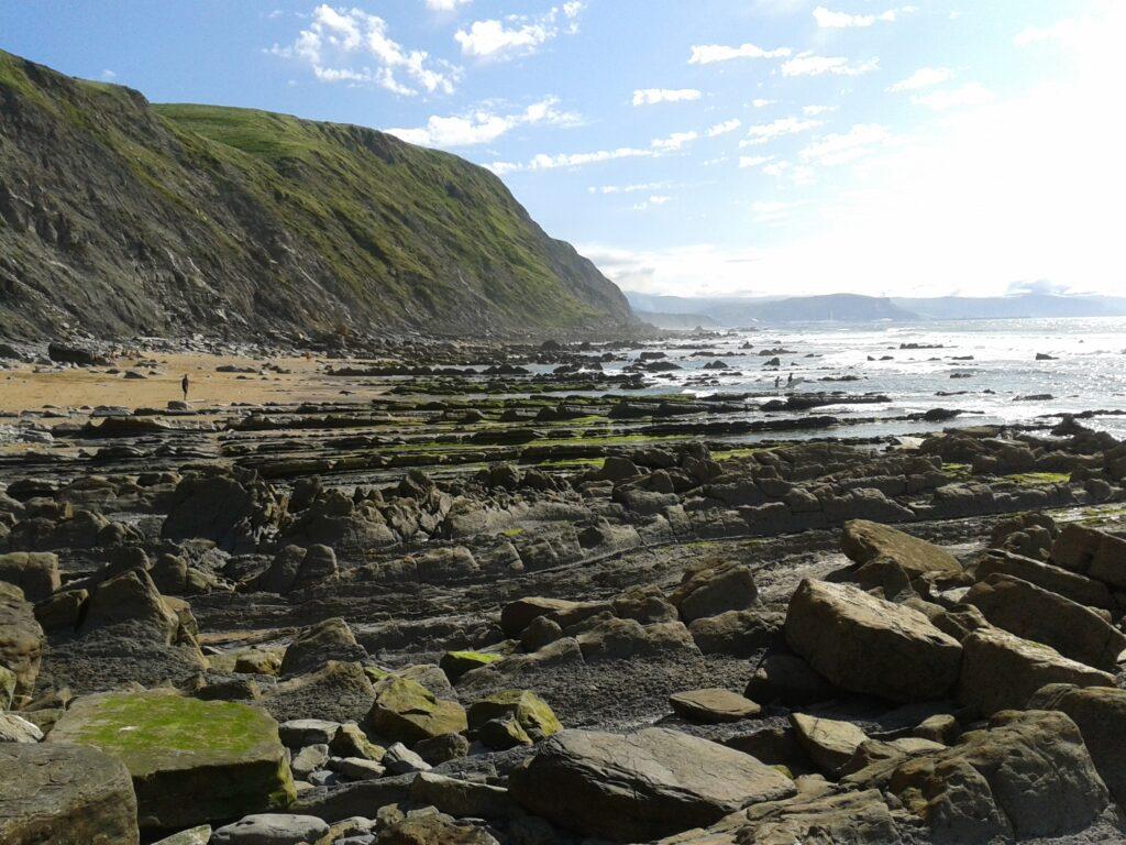 geoformación de la playa de barrika